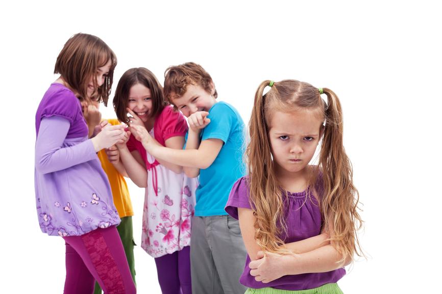девочки лапочки без трусов показывают свои волосатые письки